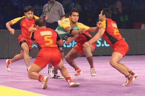 sandeep-narwal-guides-patna-pirates-to-the-semi-finals-of-star-sports-pro-kabaddi-1408989684-2259815